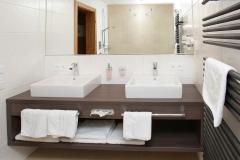 Tarlack_Appartments_Leogang_Dreizint_Appartement3-Bad-1