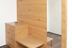 Tarlack_Appartments_Leogang_Dreizint_Appartement3-Garderobe