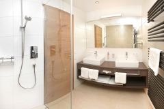 Tarlack_Appartments_Leogang_Dreizint_Appartement3-Bad