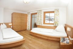 Tarlack_Appartments_Leogang_Dreizint_Appartement3-Schlafzimmer
