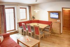 Tarlack_Appartments_Leogang_Dreizint_Appartement3-Wohnzimmer-1