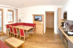 Tarlack_Appartments_Leogang_Dreizint_Appartement3-Wohnzimmer