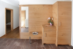 Tarlack_Appartments_Leogang_Fahnenkoepfl_Appartement1-Garderobe